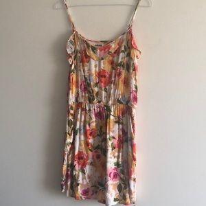 Garage floral dress with pockets